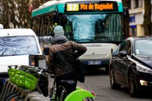 Remi Ithorotz - Bus, velo ou voiture - 6144 px