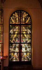Vitrail, mixe d'ancien et d'Art moderneBeautiful stained glass, mix of ancient and modern Art